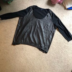 Gap black shiny 3/4 sleeve blouse